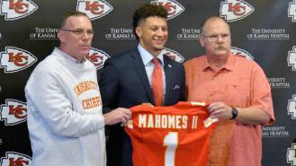 john-dorsey-fired-chiefs-tumultous-offseason-rumors-gm.jpg